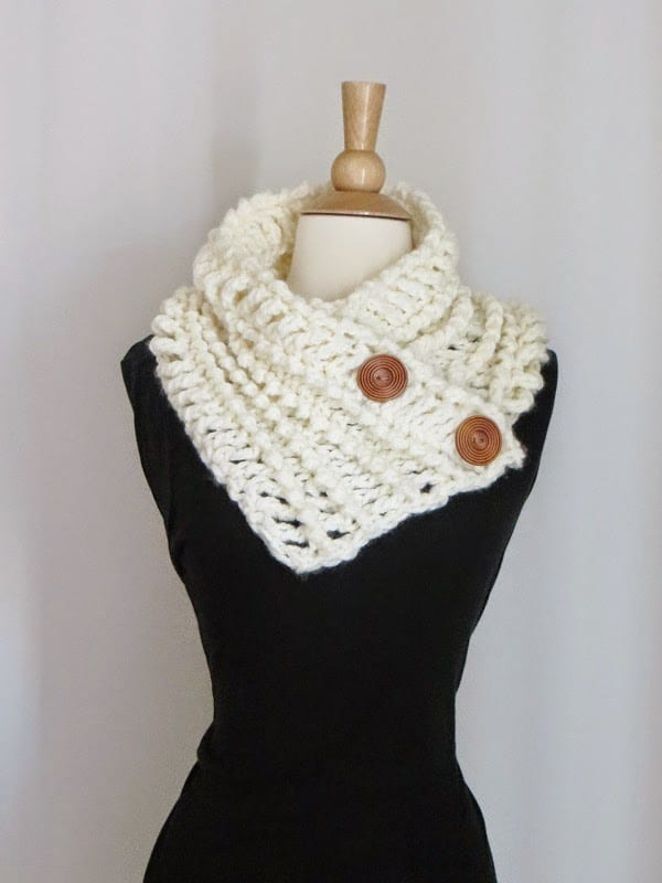Diana Button Cowl, Free Chunky Cowl Crochet Pattern