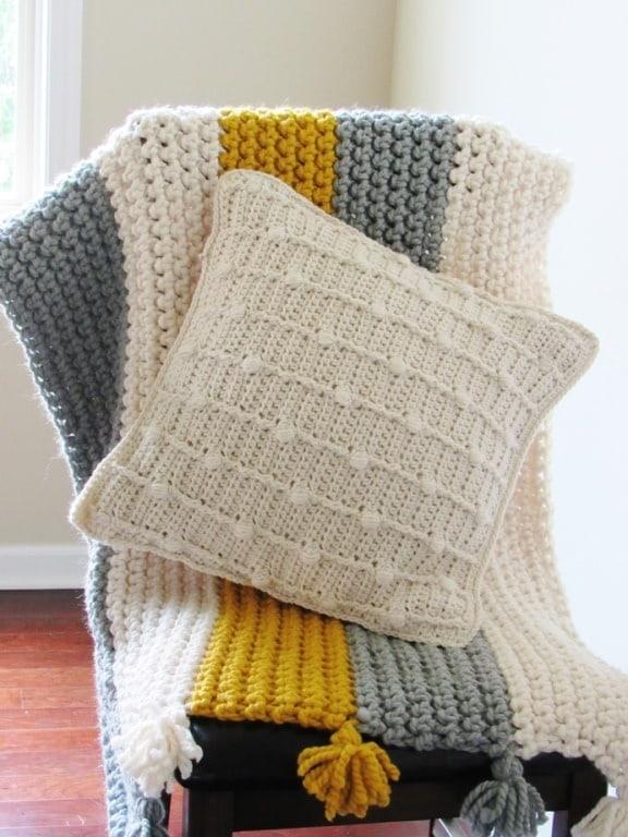 Free Textured Crochet Pillow Pattern With Bobbles Crochet Dreamz