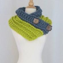 Diana Button Cowl- Chunky Yarn
