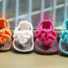 Crocodile Stitch Sandals- 0-12 Months-$5