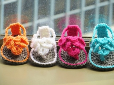 Crocodile Stitch Sandals- 0-12 Months-$5