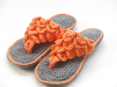 Woman's Crocodile Stitch Slippers- Fits US sizes 5 to 12 - $5.50