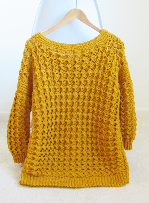 An easy level crochet sweater pattern that is perfect for beginners. You will love the texture and the comfy fit. Make yourself one today.