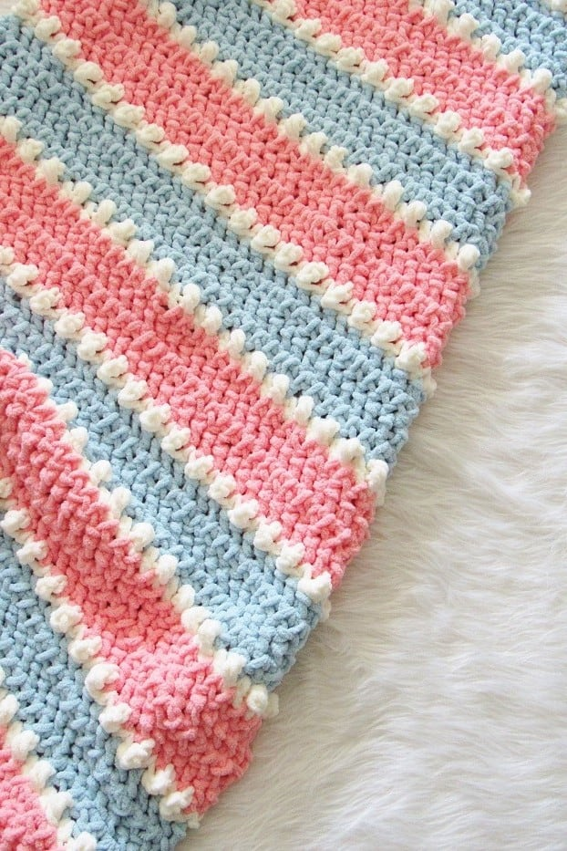 Closeup View of the Crochet Blanket Stitch
