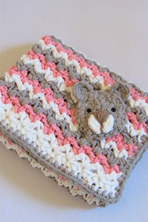Crochet Baby Blanket Free Pattern with Bear Applique