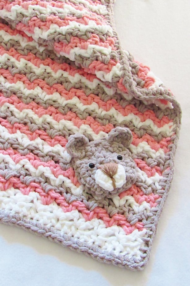 Crochet Teddy Bear Applique - Repeat Crafter Me | 922x614