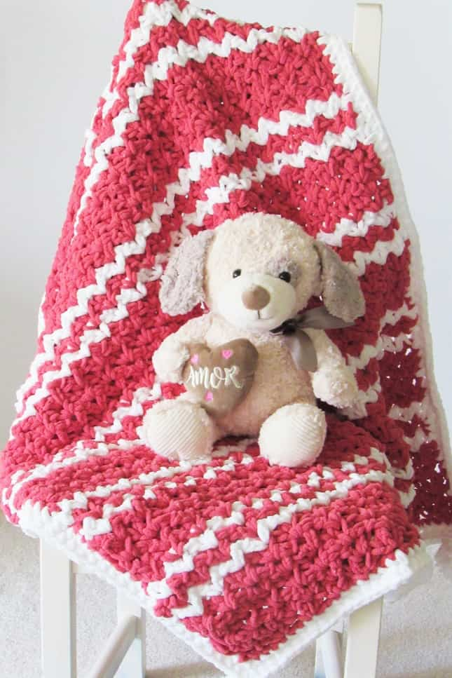 Easy DIY crochet blanket