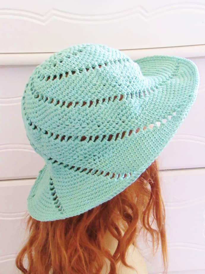 Easy crochet summer hat for beginners